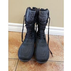 The North face winter boots 9.5